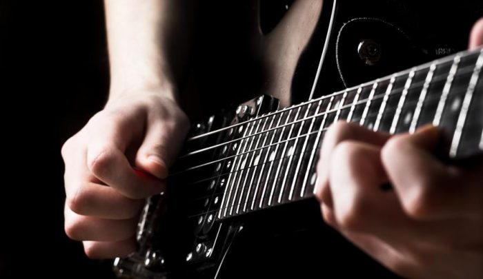 Insegnante_di_accordi_di_chitarra_virtuale